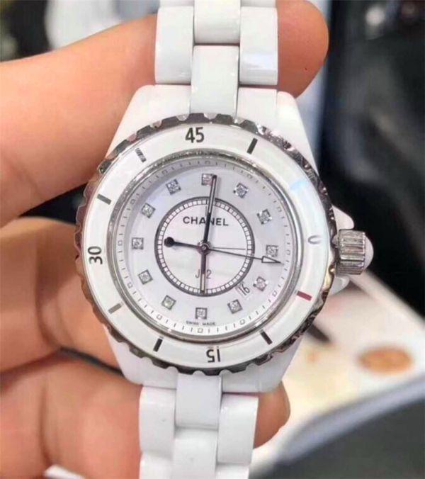 CHANEL J12 H1628 シャネルクロノグラフ ブラックセラミック腕時計 自動巻_画像2