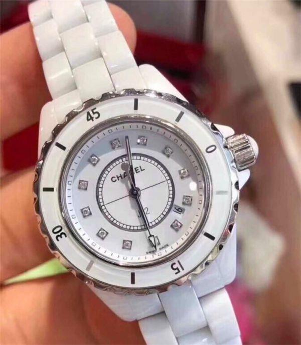 CHANEL J12 H1628 シャネルクロノグラフ ブラックセラミック腕時計 自動巻_画像3