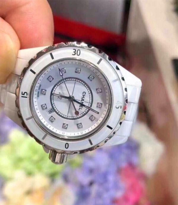 CHANEL J12 H1628 シャネルクロノグラフ ブラックセラミック腕時計 自動巻_画像4