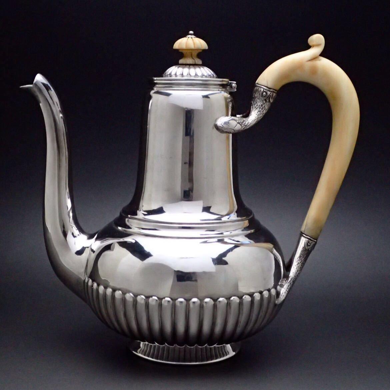 ピュイフォルカを超える唯一の銀細工 ODIOT/オディオ 純銀無垢 コーヒー&ティーポット 1800年代のお品_画像2