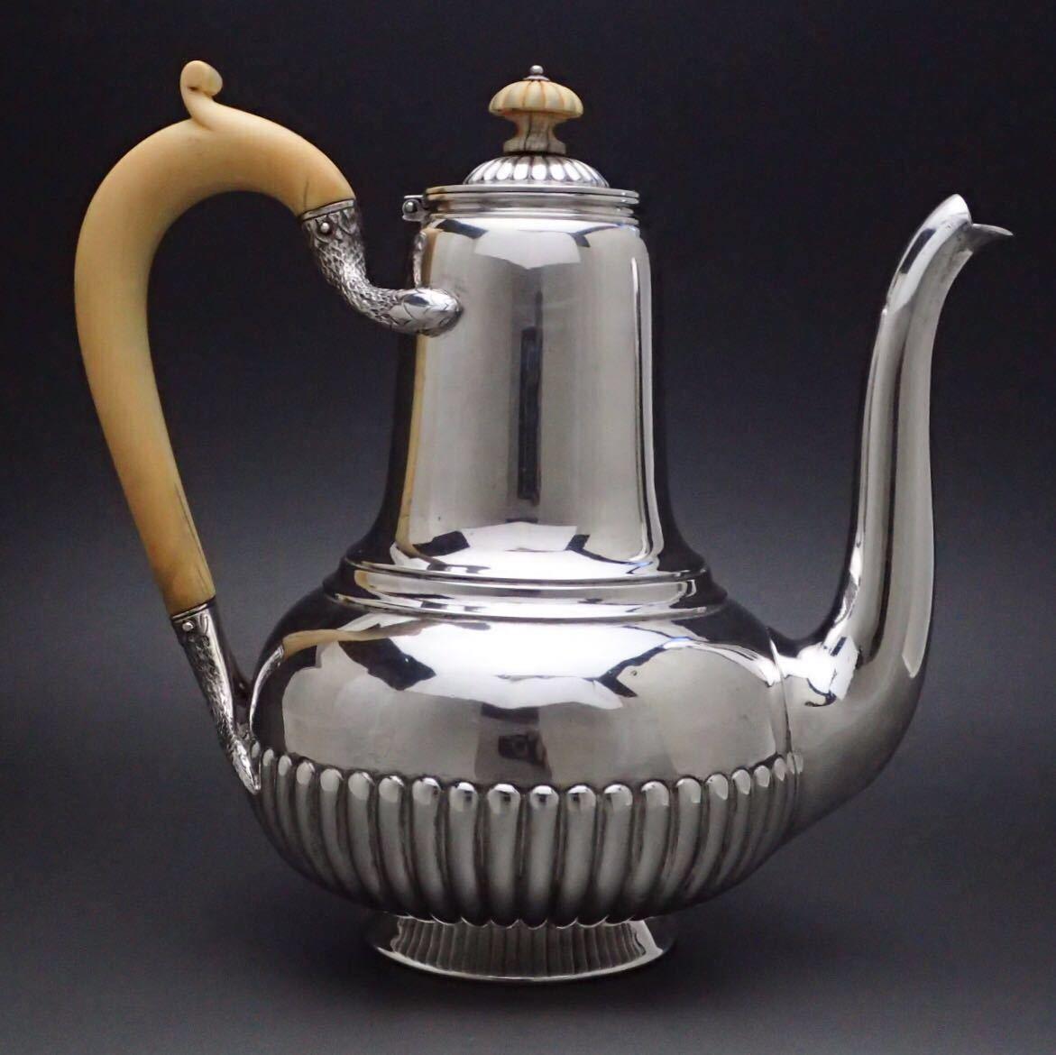 ピュイフォルカを超える唯一の銀細工 ODIOT/オディオ 純銀無垢 コーヒー&ティーポット 1800年代のお品_画像3