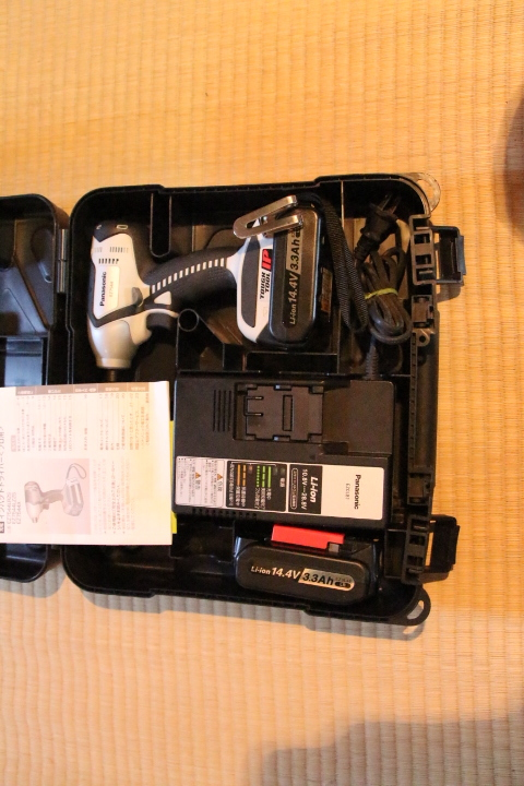 Panasonic充電インパクトドライバーEZ7544_画像1