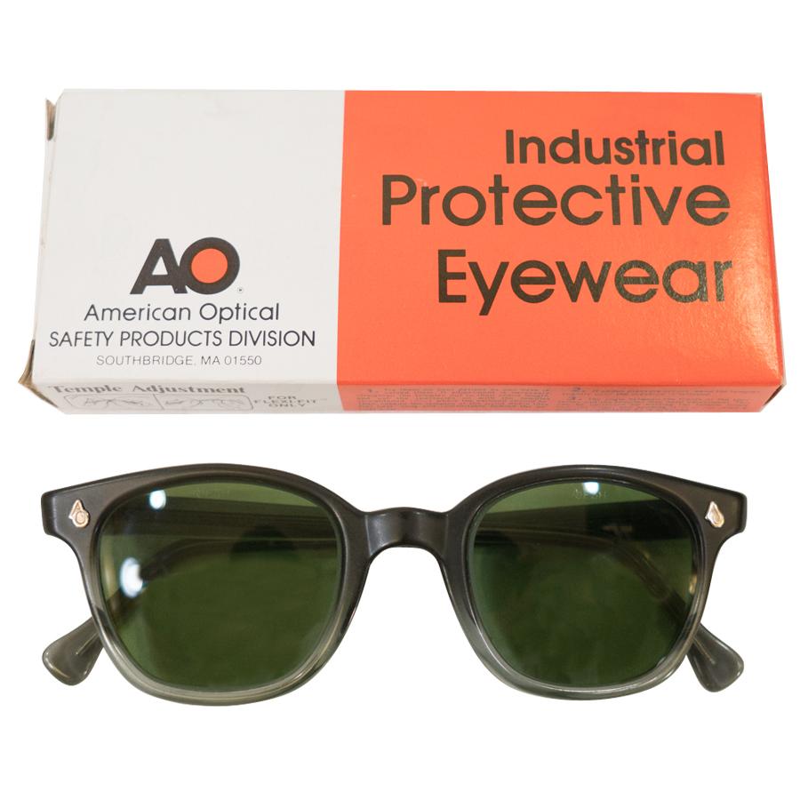 レア!送料無料!1960年代 AMERICAN OPTICAL Vintage ウェリントン グレーフェード ボックス付き眼鏡 ボストンシェイプ48 アイウェア AB3