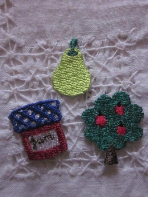 CHECK&STRIPE購入●かわいい*アイロンでくっつく!小さなオリジナル・アップリケ3種セット*リンゴの木&洋ナシ&ジャム*送料63円~_画像2