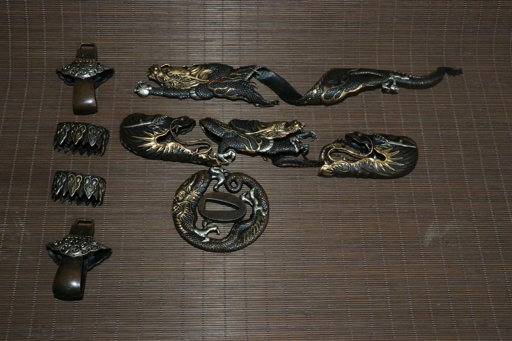 美術品 紫銅製 留金銀 龍紋 瑞雲紋 刀裝具 太刀部品 賞物