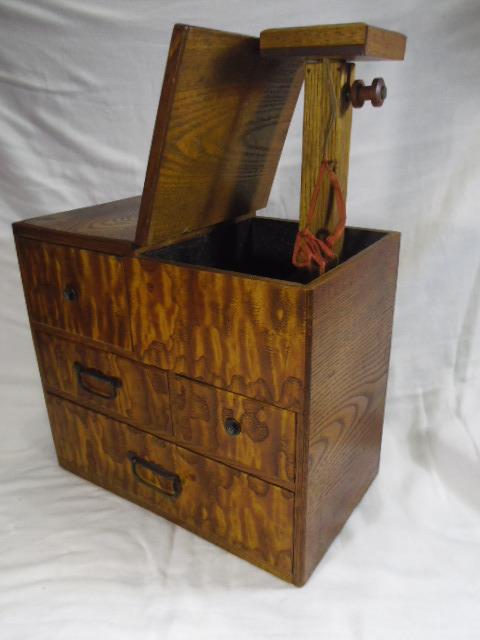 E33◇時代 裁縫箱 針箱◇小物入 小箪笥 小引き出し◇道具箱 和家具◇_画像4