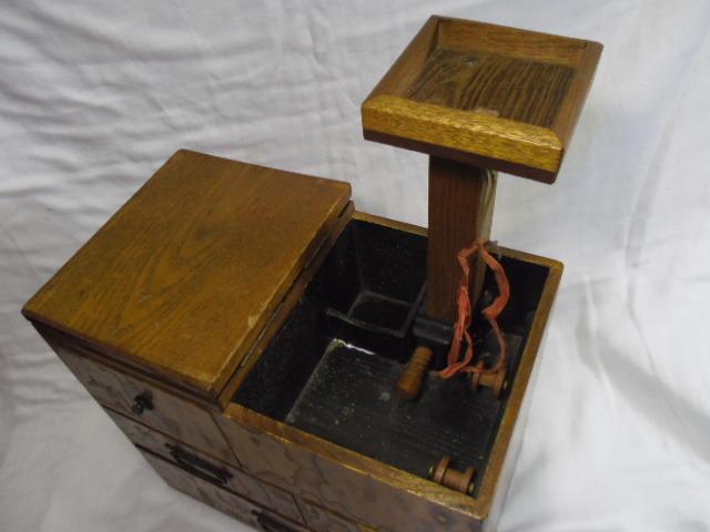 E33◇時代 裁縫箱 針箱◇小物入 小箪笥 小引き出し◇道具箱 和家具◇_画像5