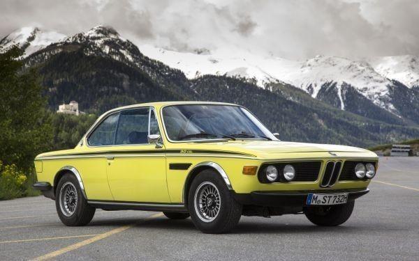 BMW 3.0 CSL E9 クーペ ファーストバージョン 1971年 絵画風 壁紙ポスター ワイド版 603×376mm はがせるシール式 003W2 自動車関連グッズ&自動車メーカー別&BMW