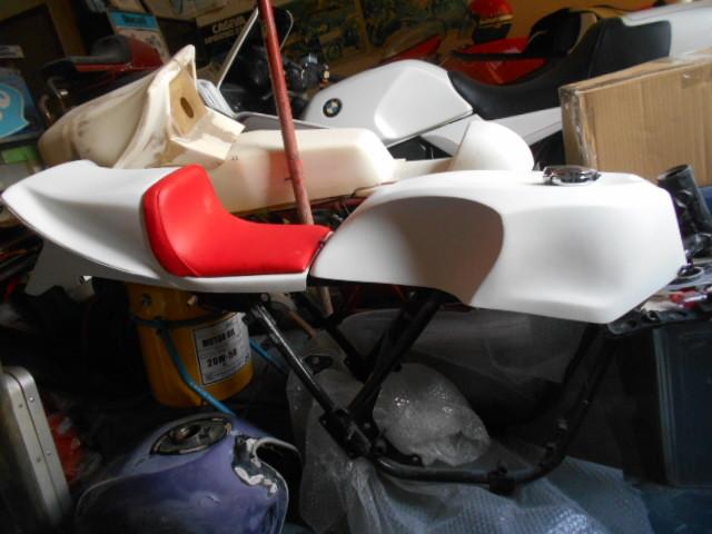 KH250 KH400 FRP シングルシート カフェレーサー_画像1