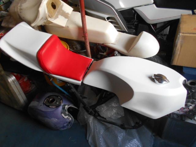 KH250 KH400 FRP シングルシート カフェレーサー_画像2
