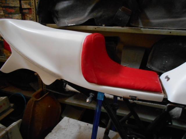 Z400FX FRP シングルシート カフェレーサー 新品_画像4