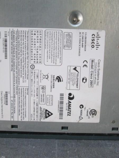 【現状品】通電OK CISCO/シスコ 2900シリーズ サービス統合型ルーター モデル 2901/V06 サーバー ルーター モデム 管1_画像6