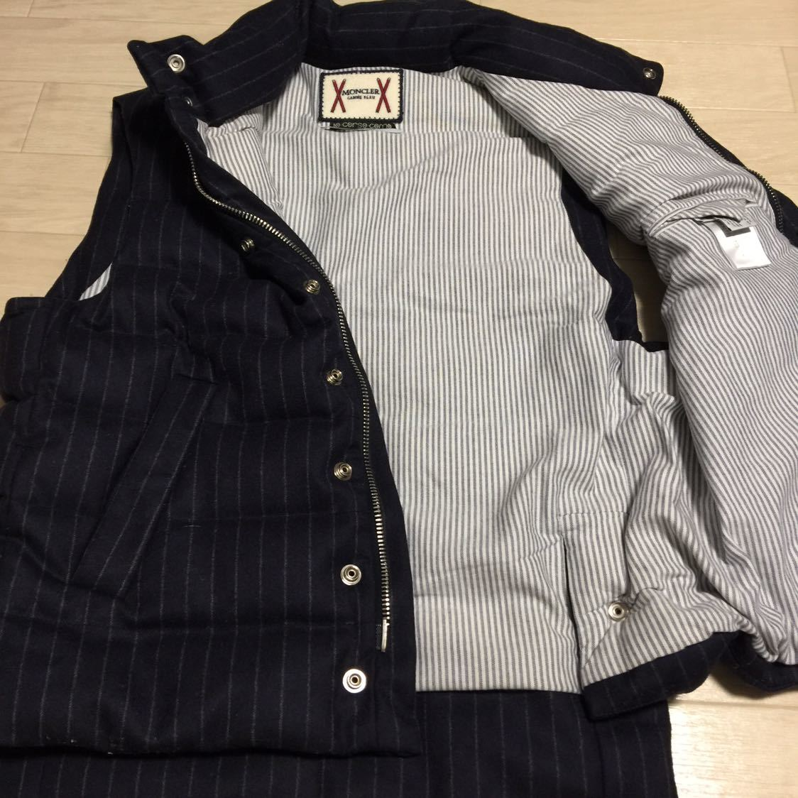 rare Italy made Moncler chewing gum blue by Tom Brown wool