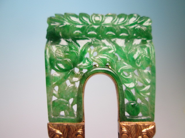 【江月】antique・18K this Jade flower openwork carved carving crafted from 12,62 g