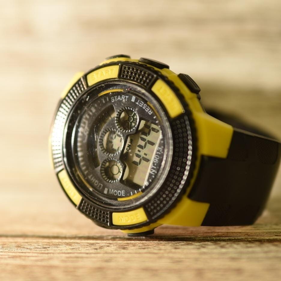 日本語説明付き☆新品送料込み NT 防水キッズ子供用アウトドア BOYS腕時計_画像1