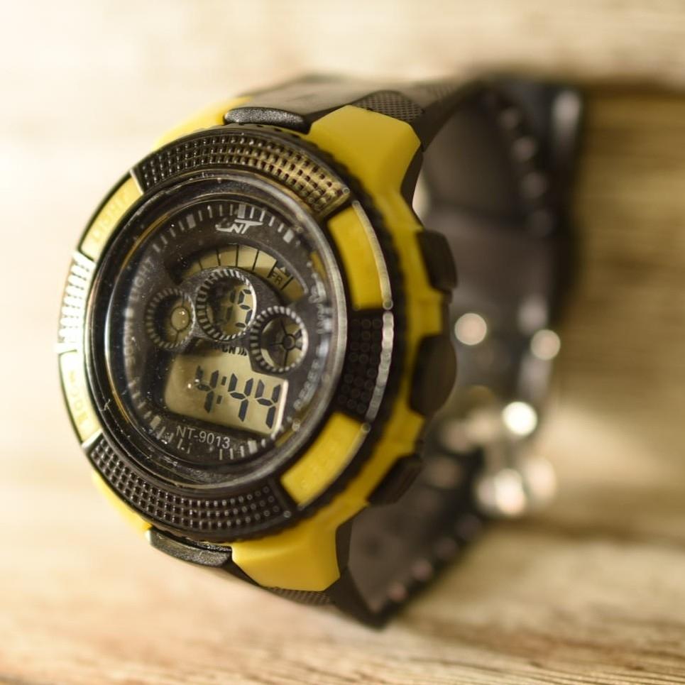 日本語説明付き☆新品送料込み NT 防水キッズ子供用アウトドア BOYS腕時計_画像3