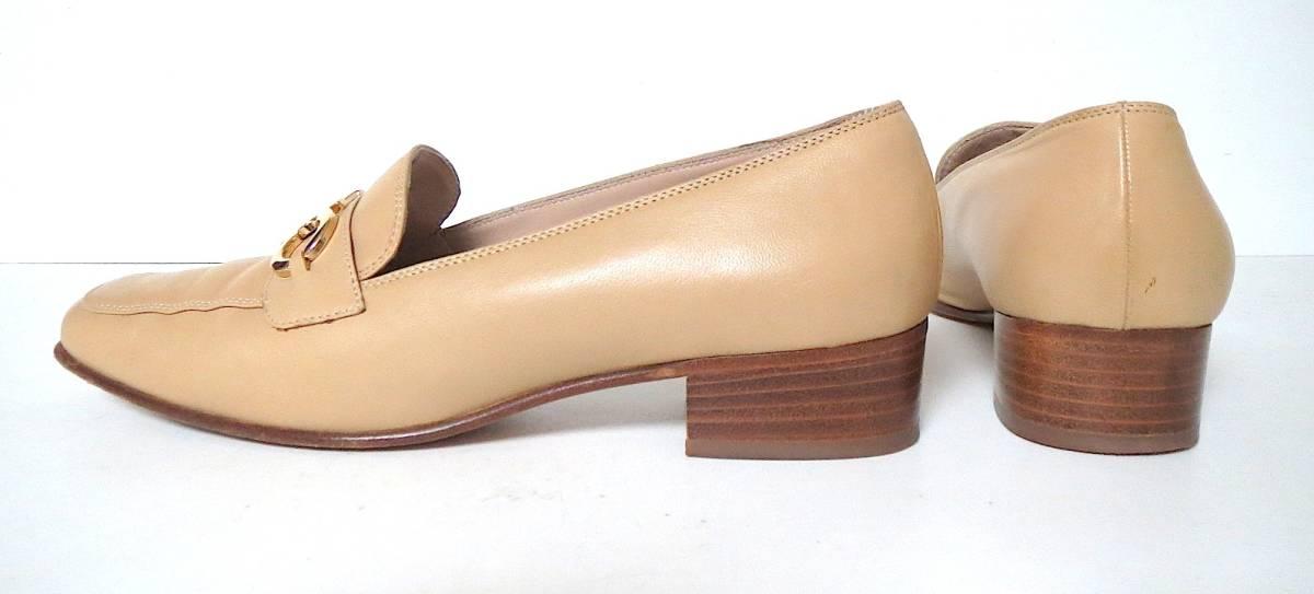 S82 イタリア製♪ Salvatore Ferragamo サルバトーレフェラガモ♪ ベージュのパンプス♪♪ 7C 23.5~24CM 靴 レディース BI_画像3