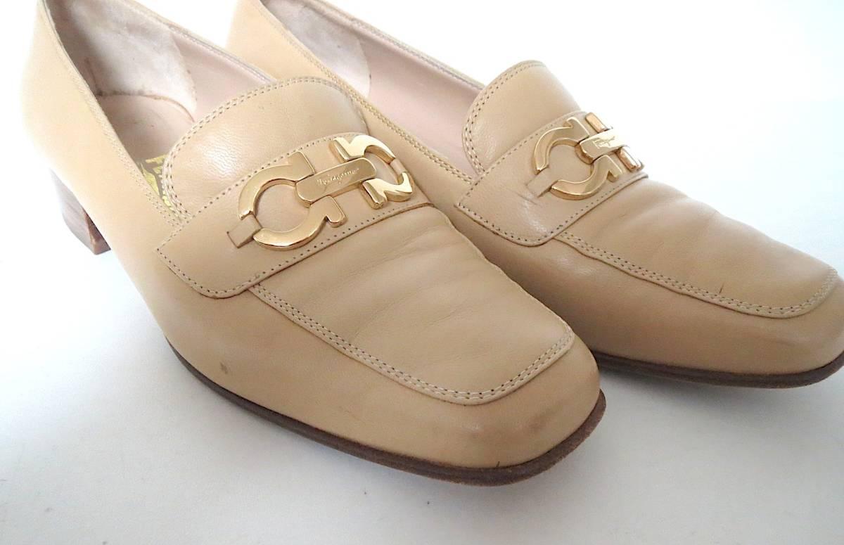 S82 イタリア製♪ Salvatore Ferragamo サルバトーレフェラガモ♪ ベージュのパンプス♪♪ 7C 23.5~24CM 靴 レディース BI_画像7