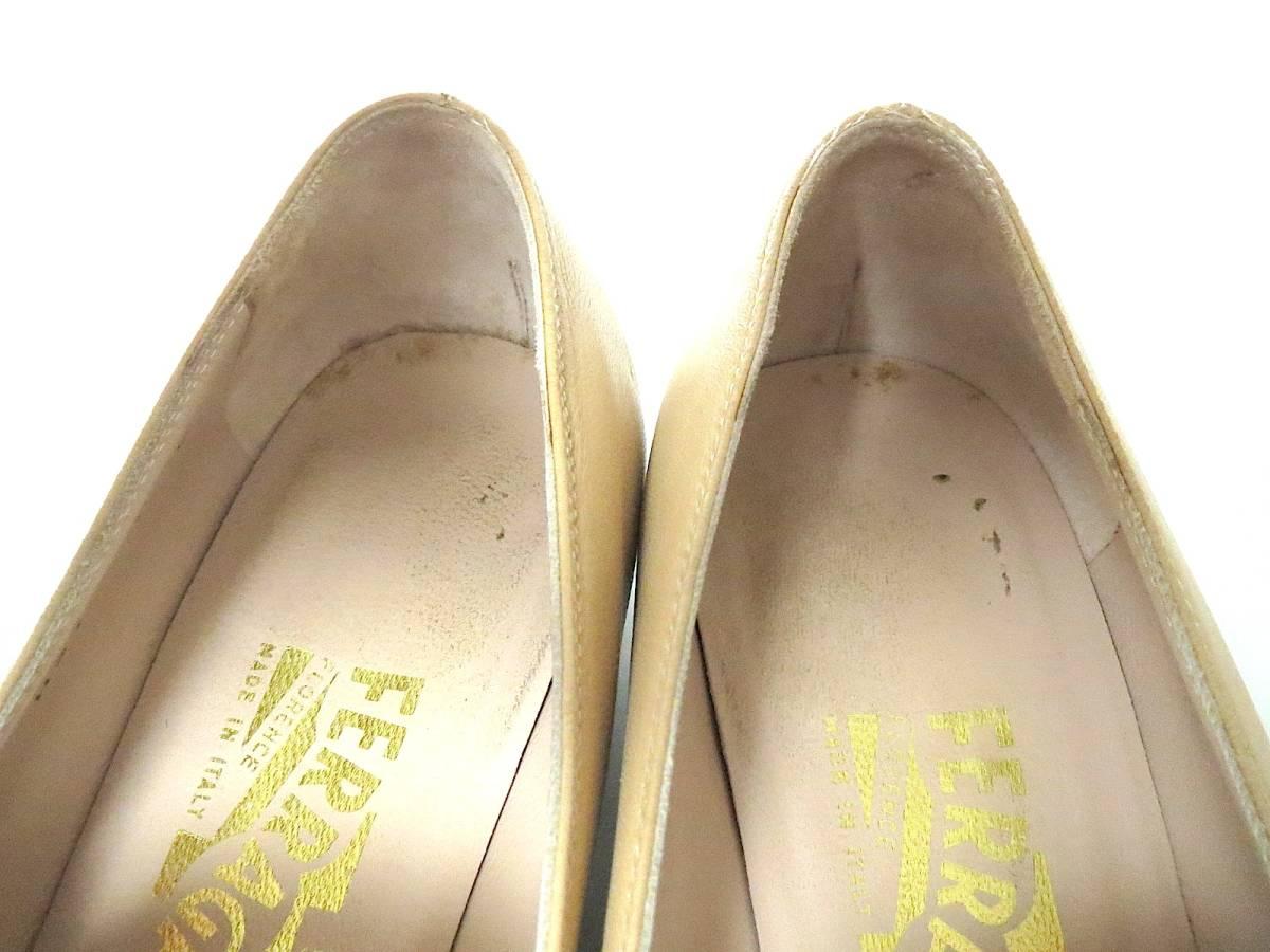 S82 イタリア製♪ Salvatore Ferragamo サルバトーレフェラガモ♪ ベージュのパンプス♪♪ 7C 23.5~24CM 靴 レディース BI_画像8