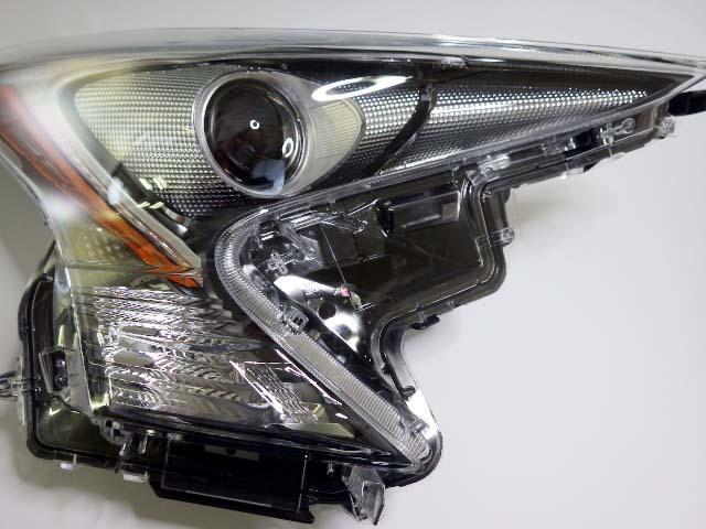 10【S.R】トヨタ プリウス ZVW50 純正 右 ヘッドライト LED KOITO 47-75 美品 香川発_画像4