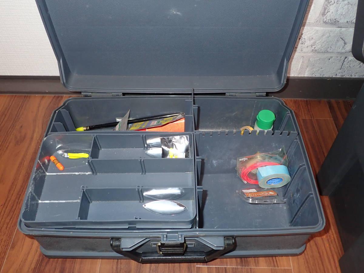 大型タックルボックス 2個(中古)、釣具多量_画像5