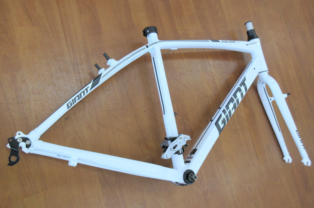 GIANT エスケープRX3 Sサイズ/ホワイト ほぼ新品 クロスバイク/アルミフレーム