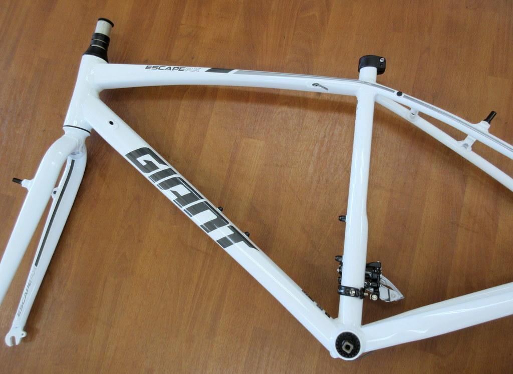 GIANT エスケープRX3 Sサイズ/ホワイト ほぼ新品 クロスバイク/アルミフレーム_画像6
