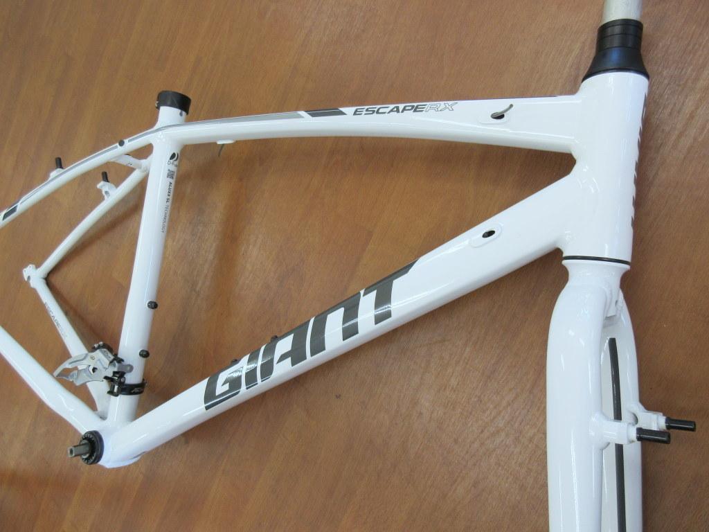 GIANT エスケープRX3 Sサイズ/ホワイト ほぼ新品 クロスバイク/アルミフレーム_画像2