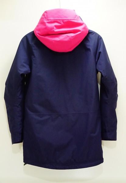 北欧ノルウェー本格アウトドアブランドBergans 防水透湿中綿入り 北欧美デザイン ウインタージャケット ジュニア152 日本レディスS相当も可_画像2
