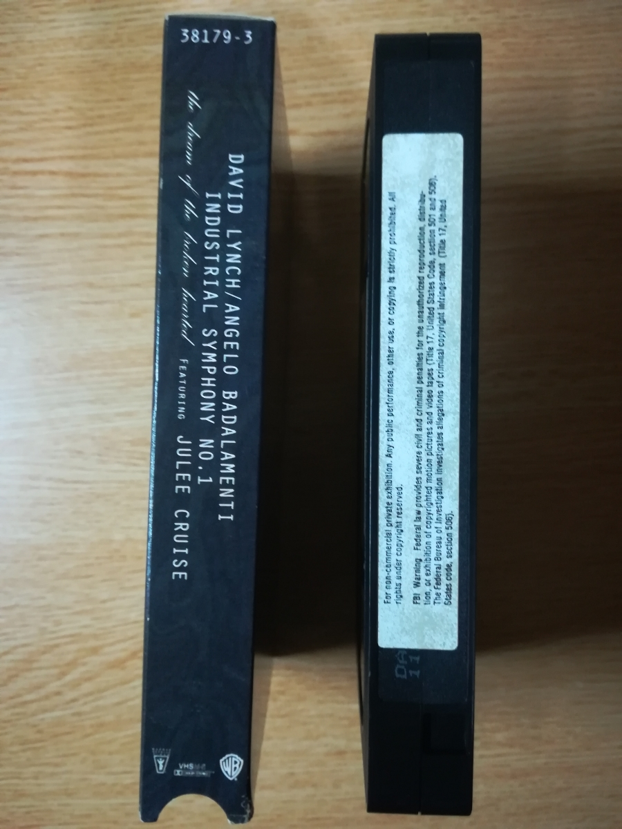 【VHS】David Lynch/Angelo Badalamenti/Julee Cruise - Industrial Symphony No. 1:The Dream Of The Broken Hearted 1990年_画像3