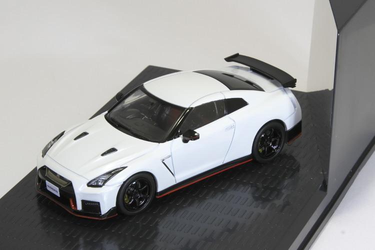 京商 1/43 日産 GT-R ニスモ R35 ブリリアントホワイトパール NISSAN NISMO Brilliant White Pearl_画像2