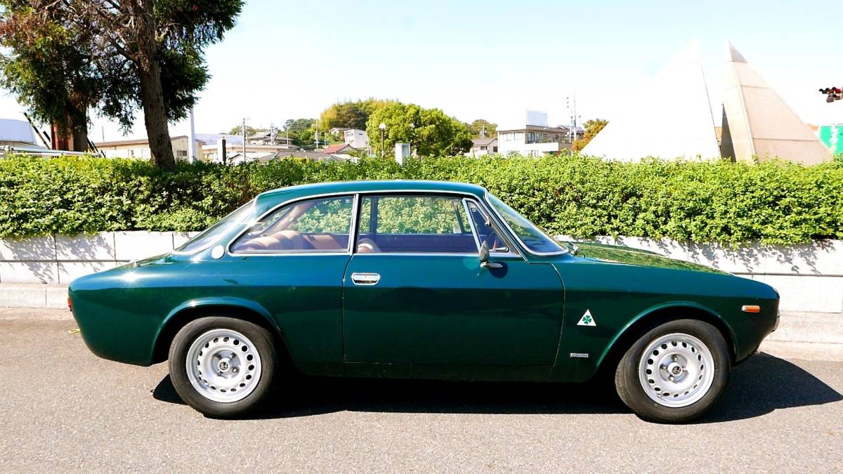 上物!絶好調!即乗り出しOK! アルファロメオ 1750GT Veloce クーラー付き! ジュリア 1969年式 車検満タン!_画像5