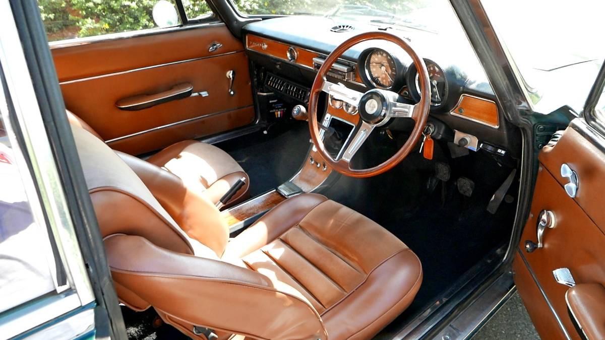 上物!絶好調!即乗り出しOK! アルファロメオ 1750GT Veloce クーラー付き! ジュリア 1969年式 車検満タン!_画像7