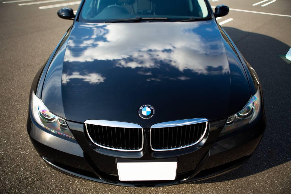 【超低走行・屋根保管・禁煙】艶々ボディ・コンディション良好!BMW 320i H19年式/D認定中古車/右H/ボディコーティング/HID/ナビ_画像3