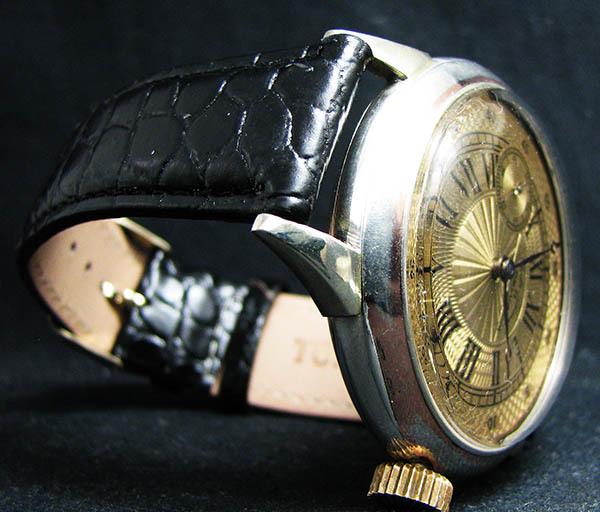 下取&値引き交渉あり オメガ懐中時計のムーブメント使用 カスタム腕時計 オリジナル銀無垢ケース 金ギョーシェ文字盤Ⅱ_画像3