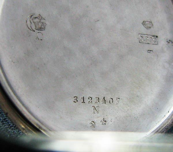 下取&値引き交渉あり オメガ懐中時計のムーブメント使用 カスタム腕時計 オリジナル銀無垢ケース 金ギョーシェ文字盤Ⅱ_画像8
