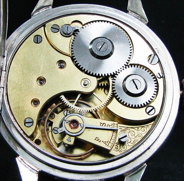 下取&値引き交渉あり オメガ懐中時計のムーブメント使用 カスタム腕時計 オリジナル銀無垢ケース 金ギョーシェ文字盤Ⅱ_画像9