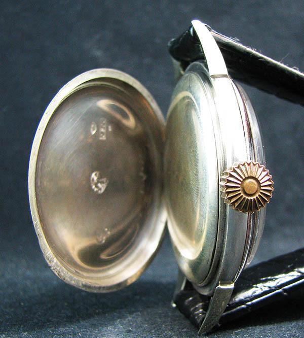 下取&値引き交渉あり オメガ懐中時計のムーブメント使用 カスタム腕時計 オリジナル銀無垢ケース 金ギョーシェ文字盤Ⅱ_画像5