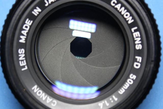 美品 Canon A-1 New FD 50mm 1:1.4 シャッター鳴きなし 露出計作動確認済み ファインダー・レンズきれい キヤノン ジャンクで_画像3