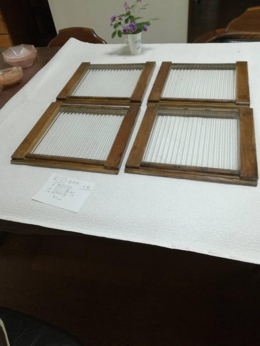アンティーク 棚 引戸 縦縞ガラス 4枚_画像3