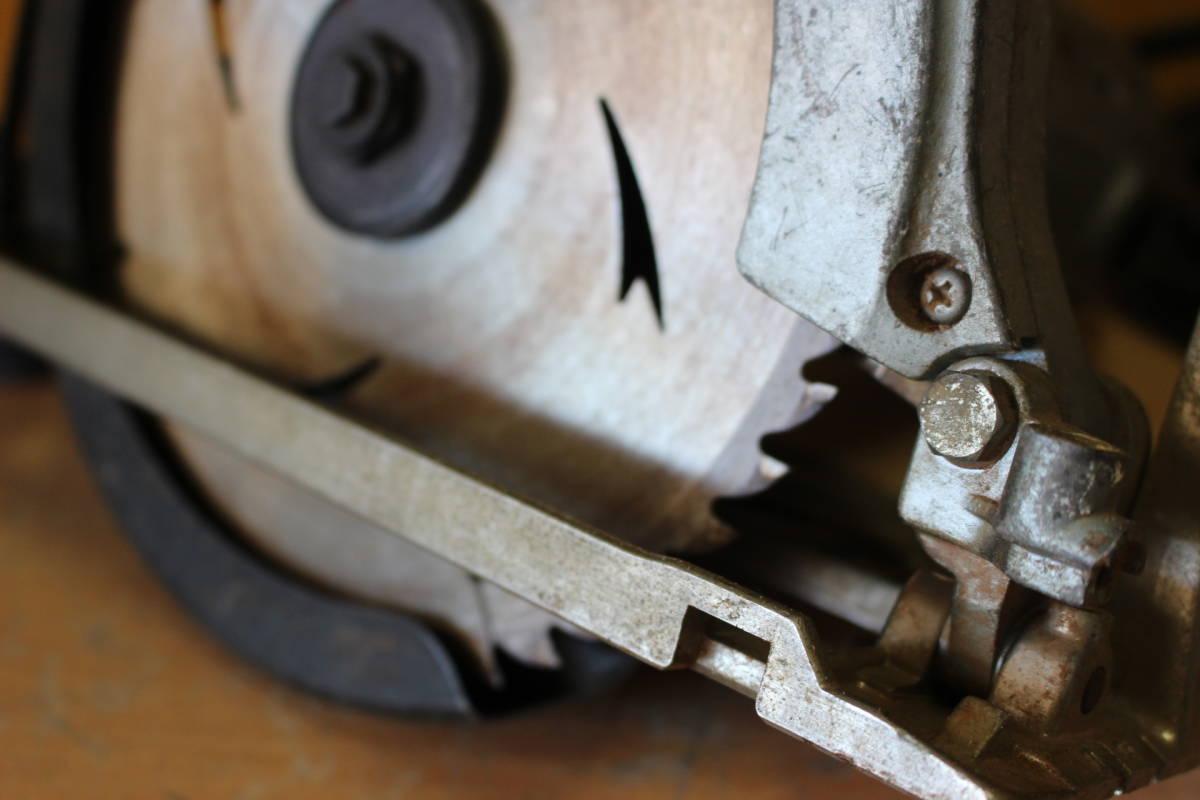 新★ ま-258 造作丸のこ ブレーキ付 C7B1 通電OK 1986年 カーボンブラシ交換要 185mm 寸法:高さ23cm 幅21cm 奥行28cm 重さ5kg_画像3