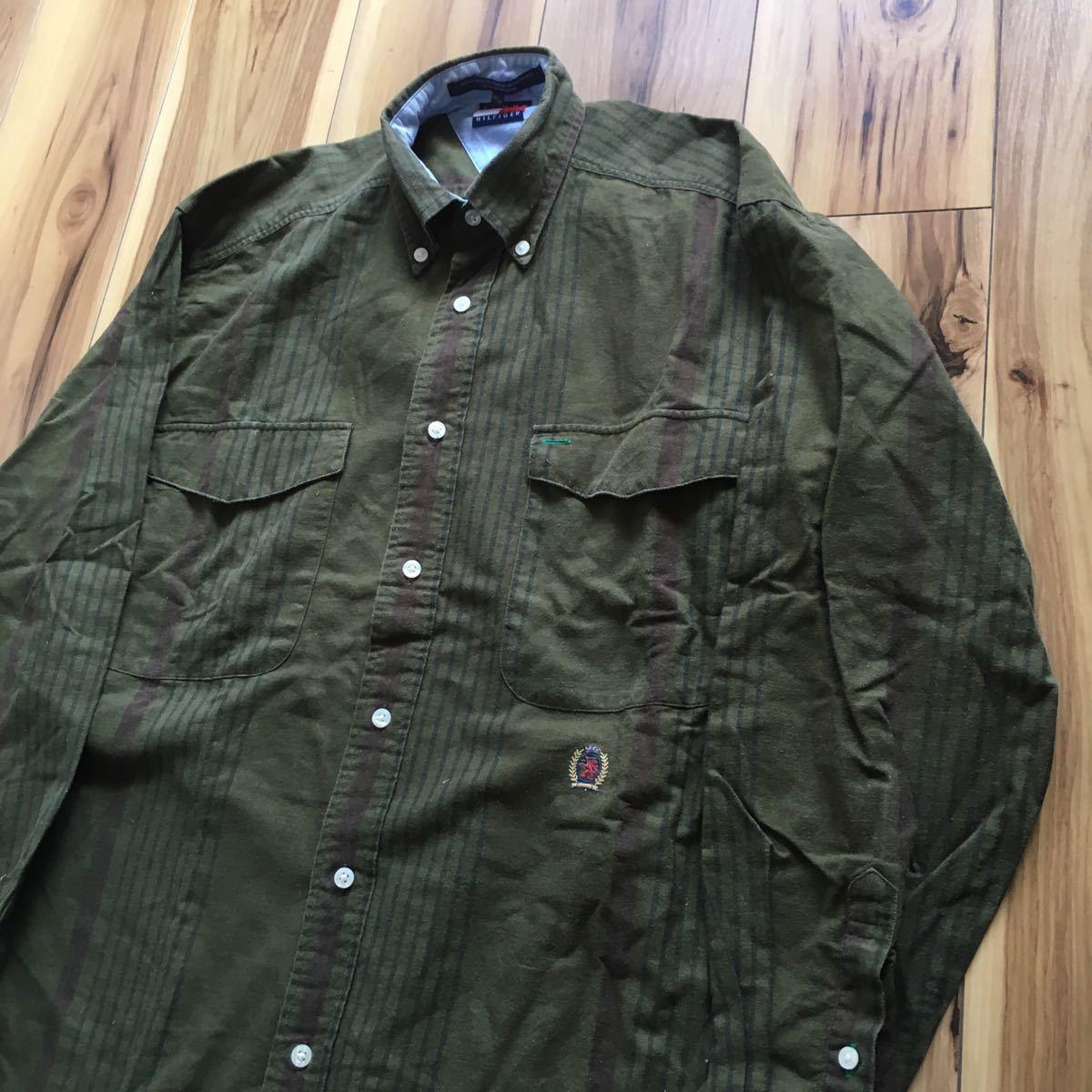 90s TOMMY HILFIGER 長袖シャツ メンズ 実寸 XL程度 カーキ トミーヒルフィガー BDシャツ ヴィンテージ ビンテージ 古着 ビッグサイズ B316_画像2