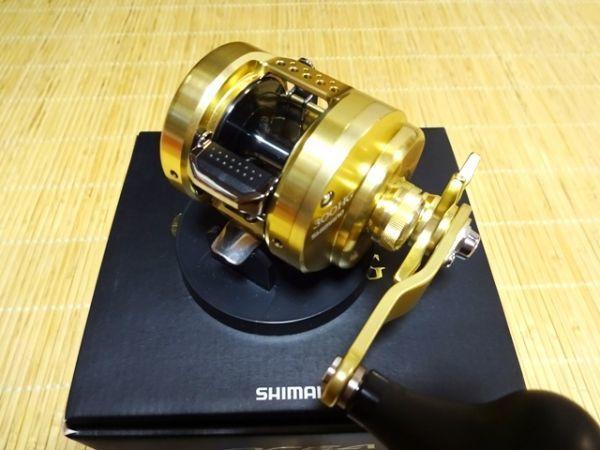 【中古 美品】シマノ 15オシアコンクエスト 300HG 右ハンドル_画像4