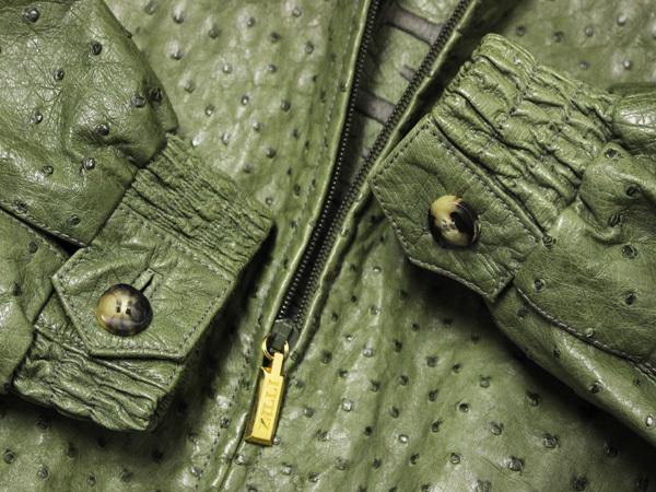 極上品 世界最高峰 ジリ 脱着ファー毛皮襟フルオーストリッチレザーブルゾン 最高級ZILLIシルク裏地 メンズ50 ジャケット コート 本物 正規_画像3