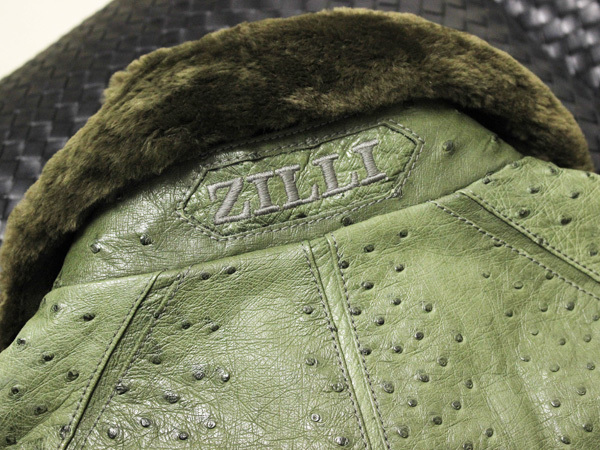 極上品 世界最高峰 ジリ 脱着ファー毛皮襟フルオーストリッチレザーブルゾン 最高級ZILLIシルク裏地 メンズ50 ジャケット コート 本物 正規_画像6
