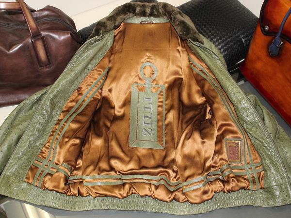 極上品 世界最高峰 ジリ 脱着ファー毛皮襟フルオーストリッチレザーブルゾン 最高級ZILLIシルク裏地 メンズ50 ジャケット コート 本物 正規_画像7