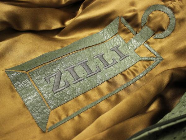 極上品 世界最高峰 ジリ 脱着ファー毛皮襟フルオーストリッチレザーブルゾン 最高級ZILLIシルク裏地 メンズ50 ジャケット コート 本物 正規_画像8