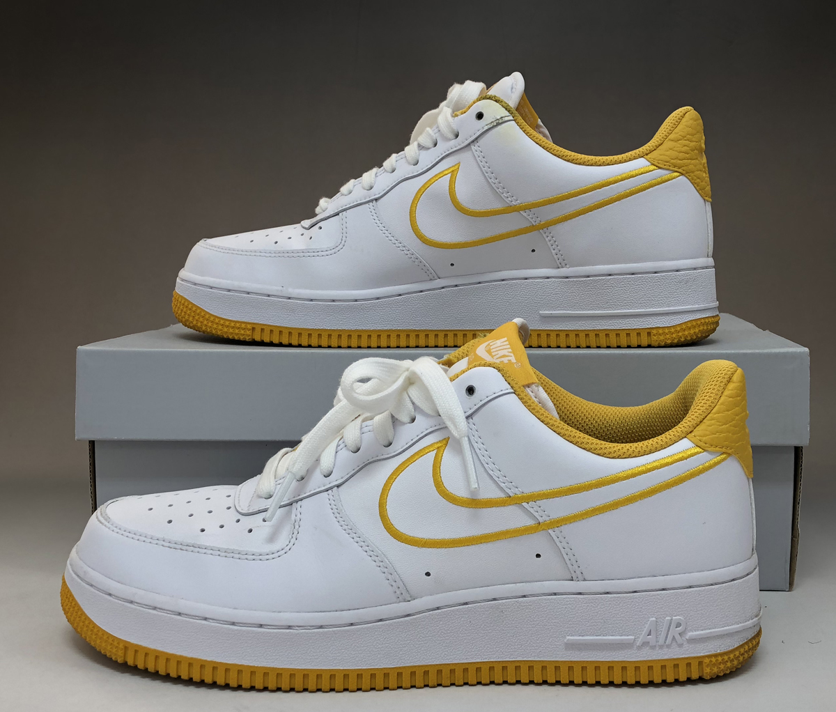 secondhand goods Nike NIKE AIR FORCE 1
