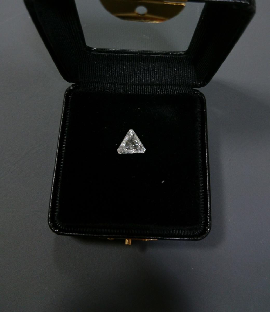 《再出品》希少!!トリリアントカットダイヤモンドルース2.013ct 中央宝石研究所ソーテ
