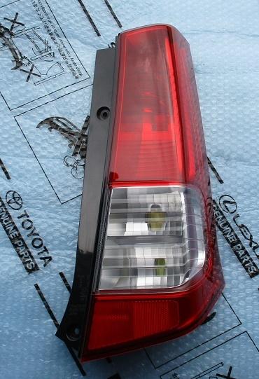AZワゴンR MH23S右テールランプ運転席テールレンズ美品テールライトTOKAIDENSO 35603-70K0テールユニットMJ23S純正35650-70K00_画像1